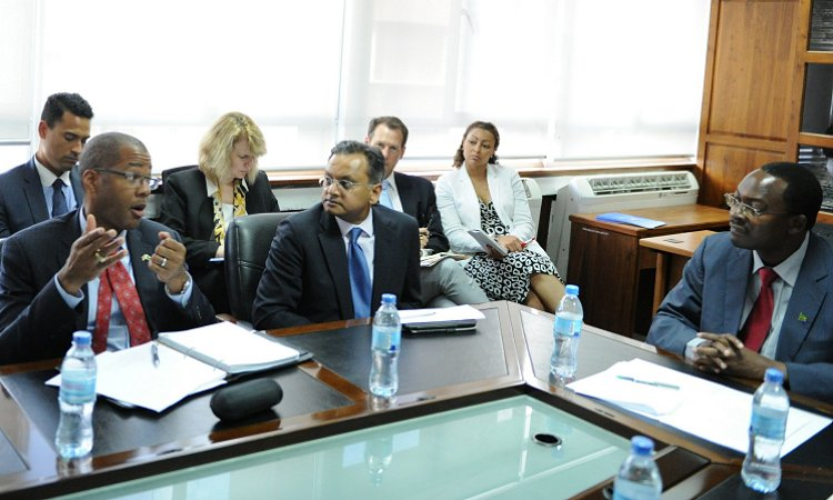 Assistant Secretary Christopher Smith meets Tanzanian Energy Minister